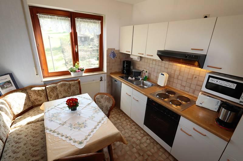 Küche mit Eckbank Ferienwohnung Rotkehlchen