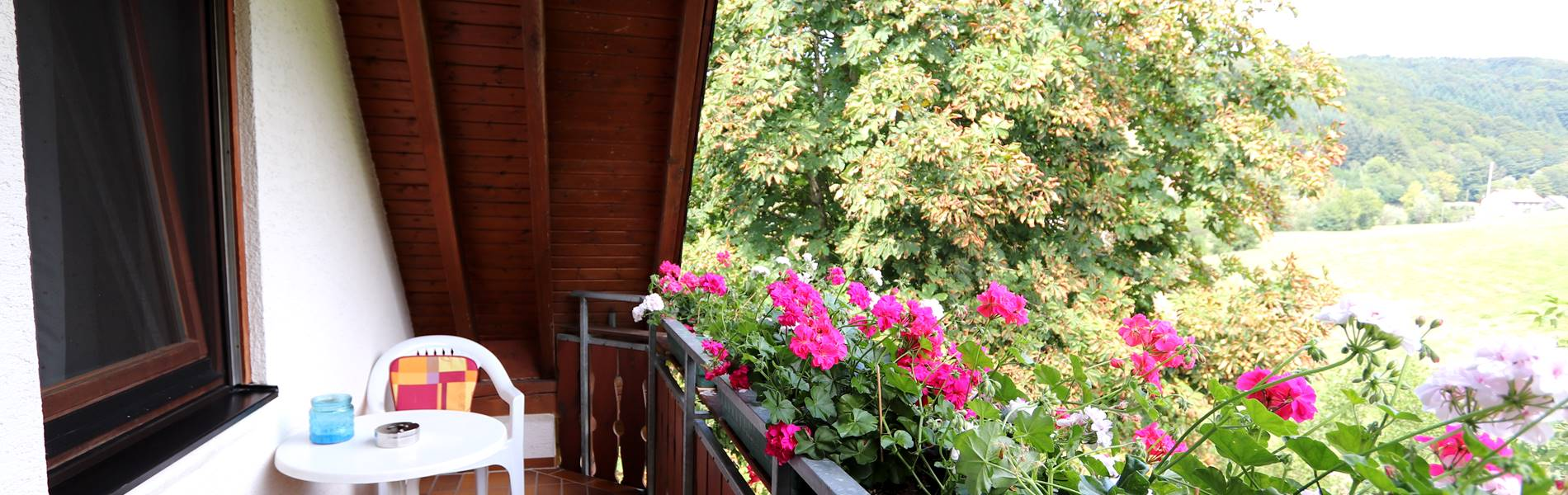 Balkon Gästezimmer Pension Schneider