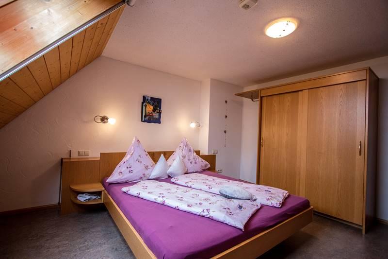 Doppelzimmer in der Ferienwohnung Feldberg Stabhalterhof