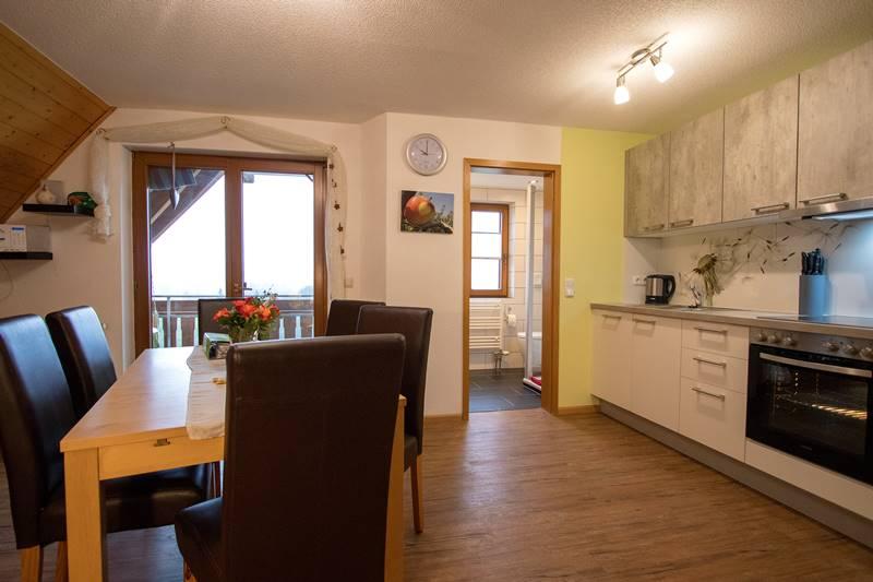 Große Küche in der Ferienwohnung Kandeblick