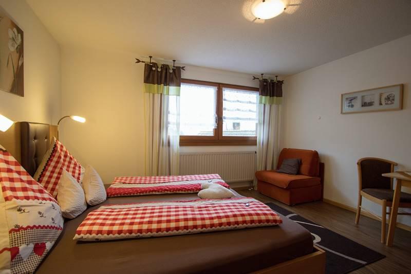 Doppelzimmer in der Ferienwohnung Kandelblick